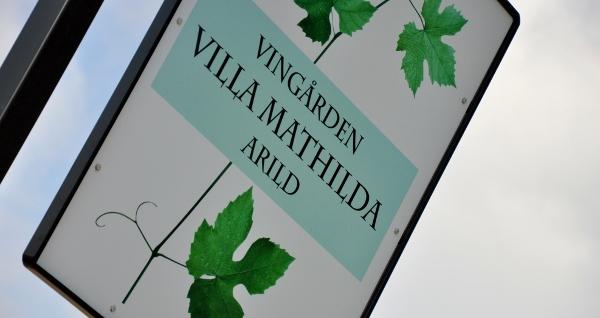 Villa Mathilda skylt (600x318)