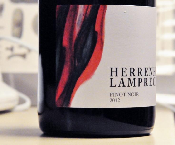 herrenhof lamprecht pinot noir 2012 2 (800x665)