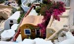 Santorini houses (600x364)