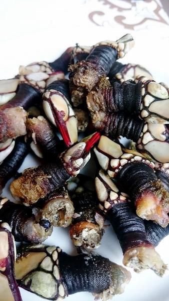 Percebes, på svenska långhals (Pedunculata), är ett kräftdjur i gruppen rankfotingar. Långhalsarna ångkokas och serveras varma eller ljumna. Smaken liknar kräftor.